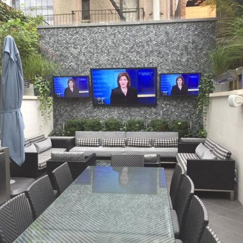 Outdoor video wall